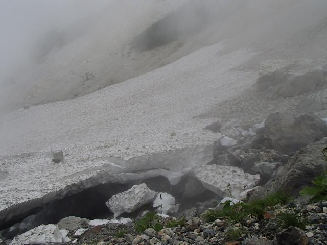 2.4大雪渓を離れる.JPG
